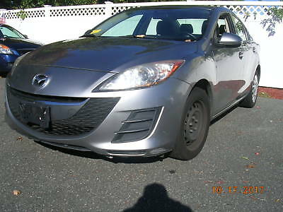 2010 Mazda Mazda3  REPOSSESSION / NO RESERVE / BELOW WHOLESALE