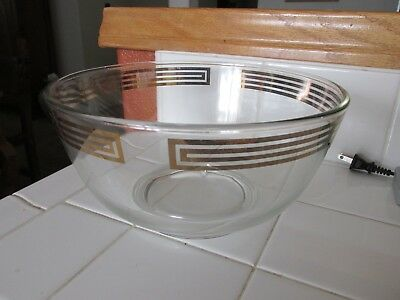 Vintage Pyrex bowl with gold banded rim