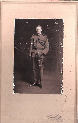 WW2 STUDIO PHOTOGRAPH AN OFFICER FROM THE 64th GREY OF THE MELBOURNE REGIMENT