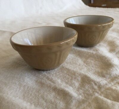 16-16: Mason Cash Miniature Mixing Bowls Pair Doll House Kitchen England Signed