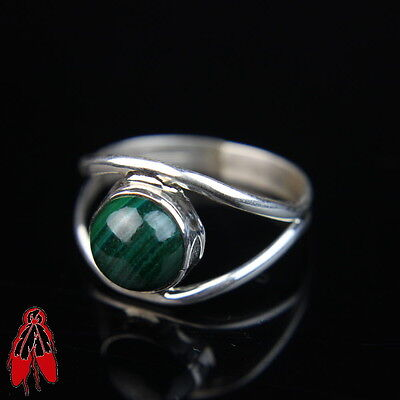 Simple green Malachite Sterling Silver .925 vintage Navajo ring size 8 old pawn