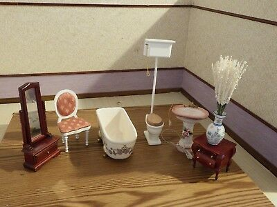 doll house furniture mixed lot of bathroom items 1.12