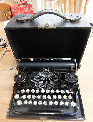 Antique Underwood Standard Portable Typewriter - from the 1920's - Fully Working