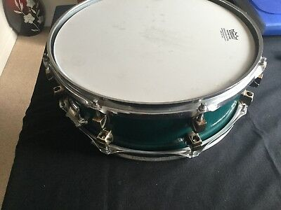 snare drum make unknown as no badge