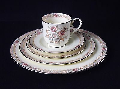 Noritake Imperial Garden 9720 Five Piece Place Settings