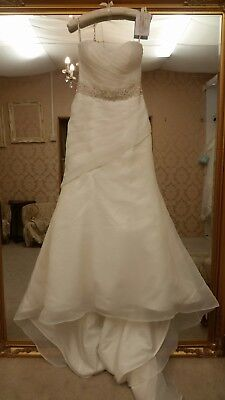 Wedding dress x sample by VK size 12 great condition