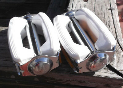 New White bow pedals 1/2 fits schwinn murray huffy sting ray typhoon others