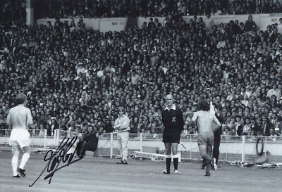 *REDUCED PRICE* HAND SIGNED 12x8 PHOTO LIVERPOOL 1974 KEVIN KEEGAN
