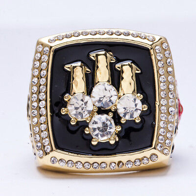 Chicago bulls 1996 championship ring size 11 gold plated