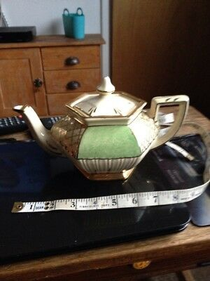 Vintage Arthur Wood Teapot  36 Queen Six Sided