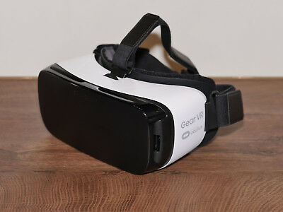 samsung gear vr brille 2016 sm r323 eur 30 00. Black Bedroom Furniture Sets. Home Design Ideas