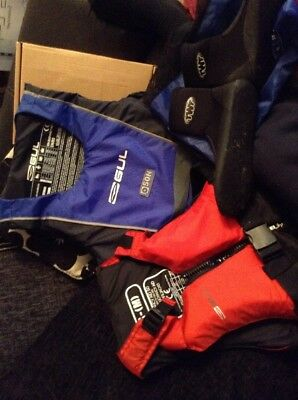 2 Gul Buoyancy AIDS With Shoes Life jackets Size S-m And M