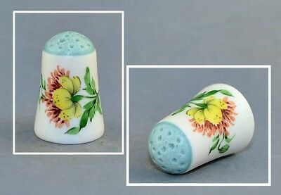 Hand Paintend Von Schierholz Porcelain Blue Top Thimble