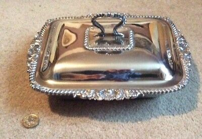 VINTAGE SILVER PLATED ENTREE DISH AND LID,GADROON EDGE,MARTIN HALL & Co, 7371
