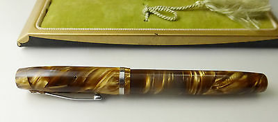 Vintage Wahl Oxford Eversharp Fountain Pen, brown/gold