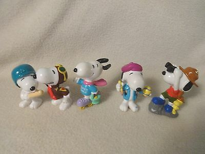 Lot of UFC Vintage SNOOPY PVC Figures all different