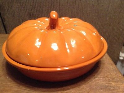 "Williams Sonoma Pumpkin Pie Baker With Lid New In Box 9.5"" Pie Area 10.5"" Total"