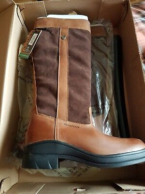 Ariat Ladies Windermere brand new in box with tags