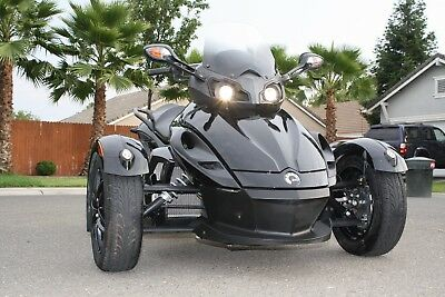 2012 Can-Am RS SM 5  Can Am Spyder RS SM5 ***ONLY 3K MILES***
