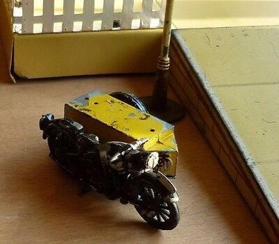 RARE VINTAGE  DIE-CAST AA MOTOR CYCLE AND SIDECAR. o gauge scale RARE