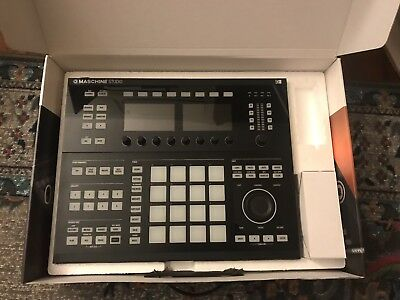 Maschine Studio, Barely used, Software Codes Included