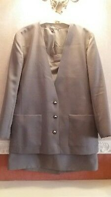 Womens collarless beige 2 peice skirt suit size 14