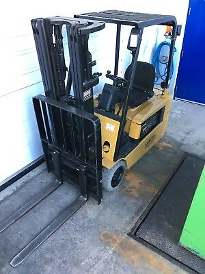 2005 Caterpillar Forklift EP20KT + Charger