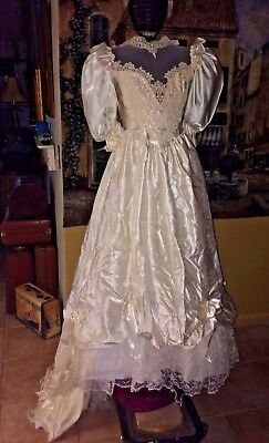 Vintage Victorian  Southern Belle Style Wedding Dress  White 3/4