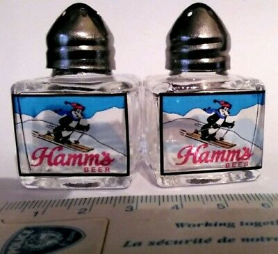Hamms beer Collectors Salt & Pepper Shakers Ski bear
