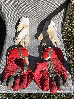 Cricket Gear - Wicket Keeping gloves and inners for 12 -16 year old