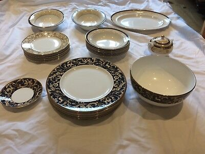Wedgwood Cornucopia 30 piece Collection.