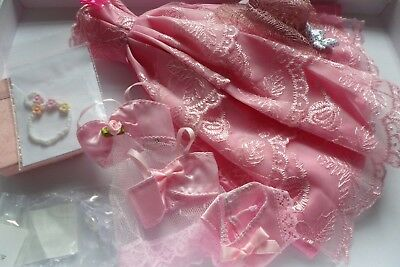 barbie doll clothes pink