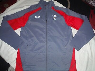 Under Armour Wales Rugby Jacket Size Xl Two Zipped Front Pockets