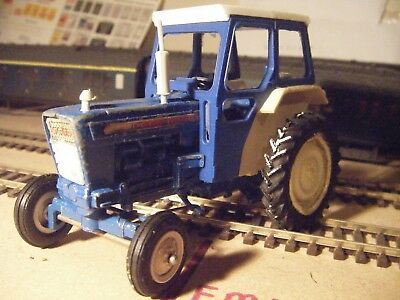 britains ford 5000 tractor 9527 play worn 1/32 scale