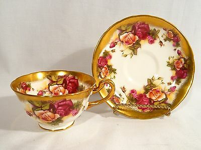 Royal Chelsea TEA CUP & SAUCER GOLDEN ROSE 3983A Cabbage Roses