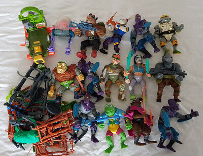 Teenage Mutant Ninja Turtles (TMNT) Mixed Lot (15++) and weapons cache
