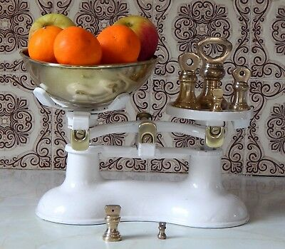 Victor Vintage Style Kitchen Balance Scales, Complete With 6 Brass Bell Weights