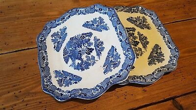 Maling plates - identical pair
