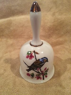 "Vintage~Bell~5.25""~Rare~Collectible~Beauty~White w- Gold Trim~Bird~Beauty"