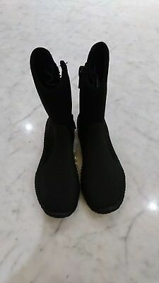 Lady's Cessi 5mm SX diving boots.