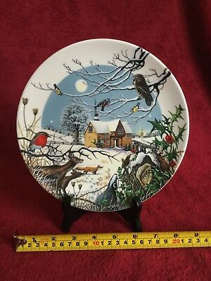 "Wedgwood Collectors Plate ""Arrival of the Carol Singers"""