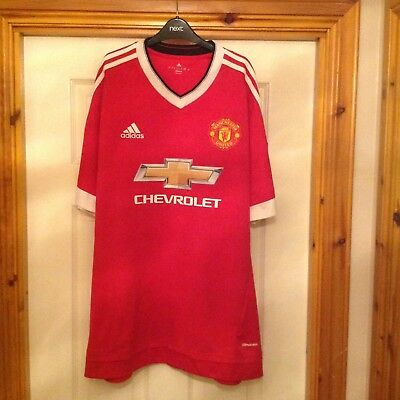 manchester united home shirt in fantastic condition