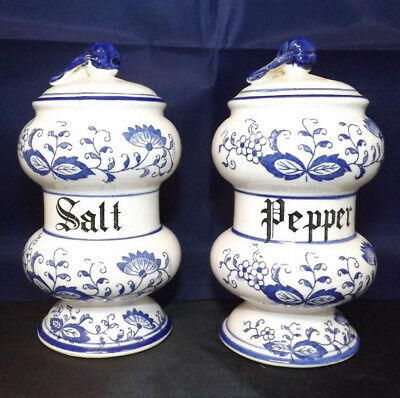 """Vintage Blue Onion Japan Salt and Pepper Set. 5.5"""" Tall. Great Condition."""