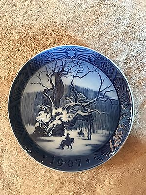 Vintage~Royal Copenhagen~Blue~Plate~Royal Oak~1967~No Chips~Kai Lange~Denmark~