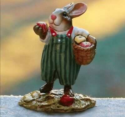 Wee Forest Folk Thanksgiving - Johnny Apple Bunny B-23