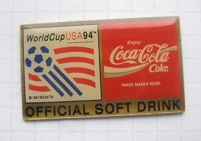 COCA-COLA / WORLD CUP USA 94 / OFFICIAL SOFT DRINK  ........... Pin (111d)
