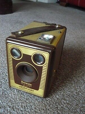 "Vintage  KODAK ""BROWNIE"" SIX-20 MODEL F with case and instruction leaflet"
