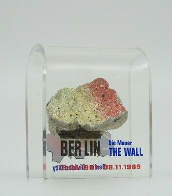 SMALL AUTHENTIC PIECE OF THE BERLIN WALL IN AN ACRYLIC DISPLAY, Germany, BG-S