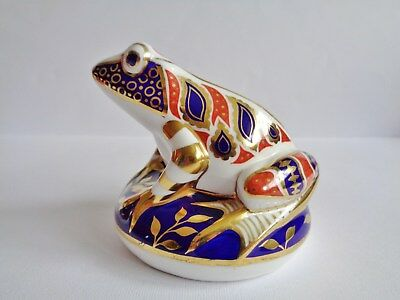 "Royal Crown Derby "" Frog ""  Paperweight"