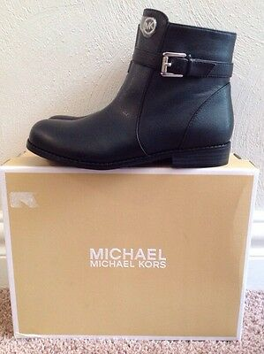 New Michael Kors Emma Callie Ankle Boots, Black Grainy Girls Youth Size 2